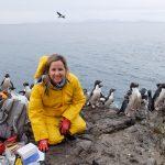 """Ganadora de """"Premio de Excelencia Científica Adelina Gutiérrez"""" dio charla sobre evolución de los pingüinos"""